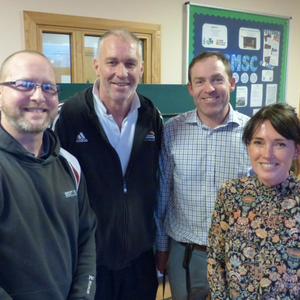 Former heavyweight boxer inspires young people at Alnwood